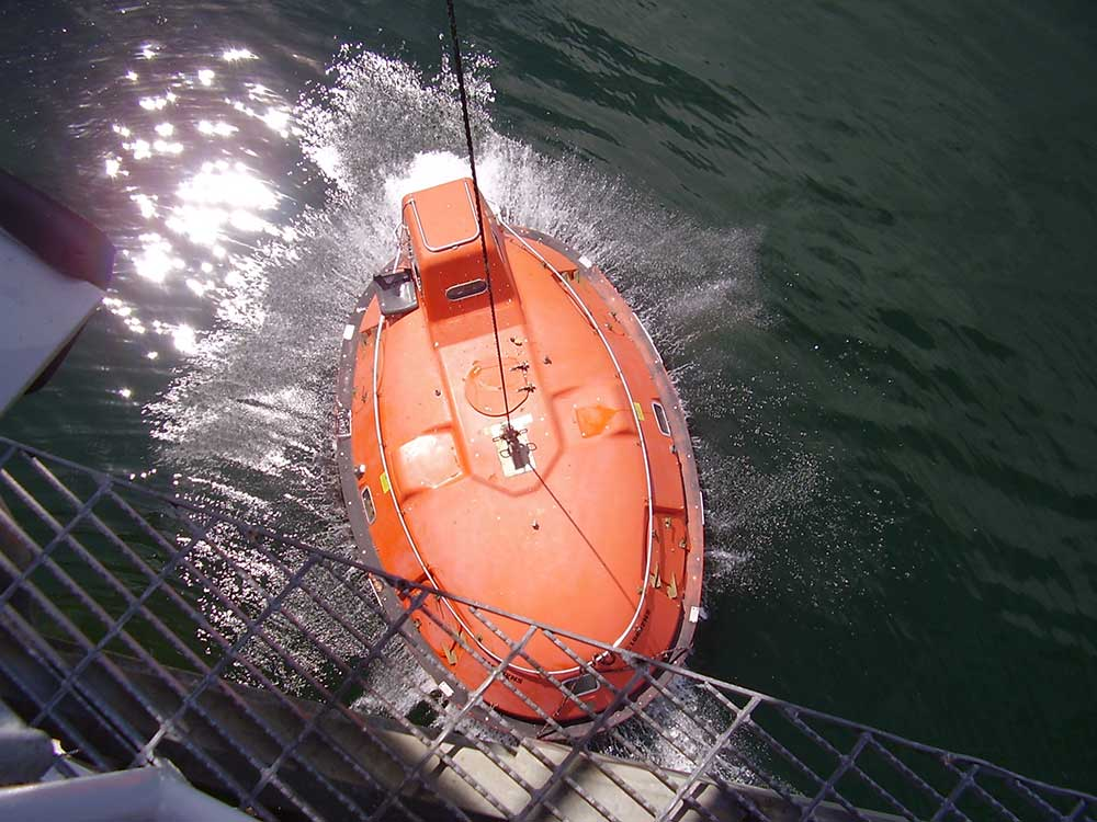 Lifeboat-launch